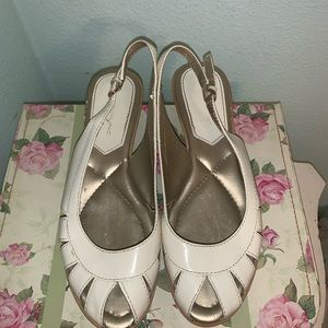 Cream bandolino wedges
